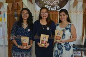 Xalapa, Ver., 23 mayo de 2018.- Evento Coffee Fest, organizado en la Facultad de Contaduría y Administración UV, con la finalidad de evaluar e introducir al comercio a estudiantes; participan distintas micro empresas.