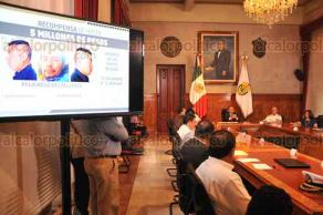 Xalapa, Ver., 23 de mayo de 2018.- Al término de la reunión de seguridad, el gobernador Miguel Ángel Yunes Linares informó las acciones que se tomarán tras la volcadura del tren de la empresa Ferrosur en Orizaba.