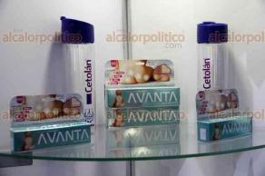 Ciudad de México, 23 de mayo de 2018.- En el 10 Congreso Nacional de Farmacias, la distribuidora Levic y la Unión Nacional de Empresarios de Farmacias indicaron que la clonación de medicamentos aumentó del 4 al 9 por ciento, poniendo en riesgo la salud de miles de personas.