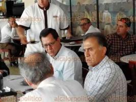 Veracruz, Ver., 24 de mayo de 2018.- El gobernador Miguel Ángel Yunes Linares se reunió con el dueño de la empresa TAMSA, Paolo Rocca y el secretario del Trabajo, Roberto Campa Cifrián. En una mesa aledaña, el exdirigente del PRI, Renato Alarcón.