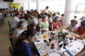 Veracruz, Ver., 24 de mayo de 2018.- Integrantes del Colectivo Solecito de Veracruz organizaron bingo y lotería; el objetivo es recaudar fondos para continuar la búsqueda de sus seres queridos.