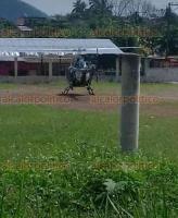 Córdoba, Ver., 24 de mayo de 2018.- Con apoyo de un helicóptero, elementos de la Policía Estatal y Fuerza Civil buscaron a los delincuentes, pero no lograron detenerlos.
