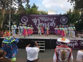 Xalapa, Ver., 26 de mayo de 2018.- Este sábado, la Organización de Folkloristas Unidos en México desarrolló el Festival de las Danzas en el parque Juárez.