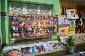 Coatepec, Ver., 18 de junio de 2018.- Integrantes del Colectivo Solecito y Familiares de Desaparecidos C�rdoba acudieron al penal de Pacho Viejo donde se realiza la audiencia del exfiscal Luis �ngel