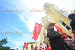 Xalapa, Ver., 20 de junio de 2018.- Integrantes de AC se manifiestan en Plaza Lerdo, aseguran que no cerrar�n vialidades, pues su protesta es pac�fica.