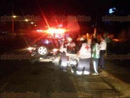 Xalapa, Ver., 21 de junio de 2018.- La madrugada de este jueves, una mujer de la tercera edad result� lesionada tras un choque por alcance sobre Arco Sur, en la entrada a Santa Rosa; fue trasladada a un hospital.