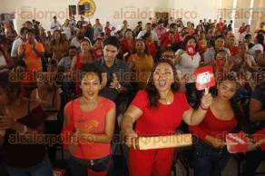 Veracruz, Ver., 21 de junio de 2018.- La senadora Hilda Flores Escalera y la candidata Anil� Ingram Vallines, presidieron el foro del Organismo Nacional de Mujeres Pri�stas. Al evento asisti� el candidato a la Gubernatura, Pepe Yunes.