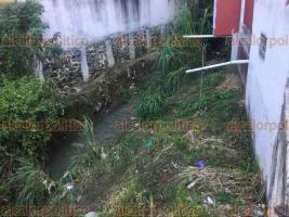 Xalapa, Ver., 22 de junio de 2018.- Vecinos de la zona de San Bruno urgen a las autoridades municipales y a la CMAS desazolvar los r�os Papas y Carneros, pues desde enero han ignorado sus peticiones.