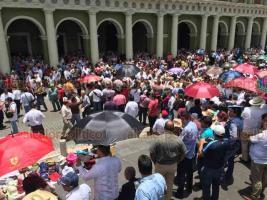 Xalapa, Ver., 15 de julio de 2018.- El gobernador electo, Cuitl�huac Garc�a Jim�nez, en su mensaje al pueblo veracruzano desde Plaza Lerdo, pidi� a las autoridades de educaci�n en Veracruz y en la Federaci�n suspender las evaluaciones magisteriales en la entidad.