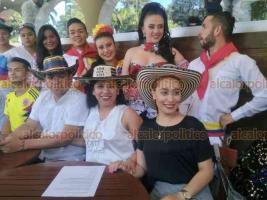 Xalapa, Ver., 20 de julio de 2018.- Zaira Mart�nez Alvarado, s�ndica �nica del municipio de Teocelo y Mara Yamilet Chama Villa, presidenta del DIF, invitan a la tercera edici�n del Festival Folcl�rico Internacional 2018, este s�bado 21.