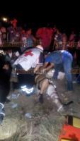 Cuitl�huac, Ver., 21 de julio de 2018.- Un autob�s que transportaba a personal de empresa av�cola se impact� de frente contra un veh�culo Dodge Dart, sobre la carretera federal Cuitl�huac-La Tinaja, a la altura de la comunidad Mata Naranjo, durante la madrugada.