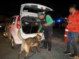 Xalapa, Ver., 21 de julio de 2018.- La madrugada de este s�bado fue implementado el filtro de alcoholimetr�a y seguridad vial, sobre la avenida Maestros Veracruzanos.