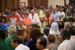 Xalapa, Ver., 22 de julio de 2018.- Fieles acudieron a la misa dominical en la Catedral Metropolitana, oficiada por el arzobispo Hip�lito Reyes Larios.