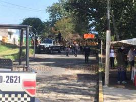 Xalapa, Ver., 14 de agosto de 2018.- 5 asaltantes ingresaron a local de azulejos en la Hernández Castillo, tras huir en un taxi, policías los persiguieron hasta la calle Ferrocarril Interoceánico donde se registró una balacera.