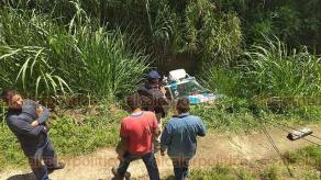 Mendoza, Ver., 14 de agosto de 2018.- La volcadura de una camioneta de la empresa Soni Gas cargada con 15 cilindros de gas LP, en la barranca de Maltrata, ocasionó la movilización de corporaciones policiacas y preventivas, la mañana de este martes.