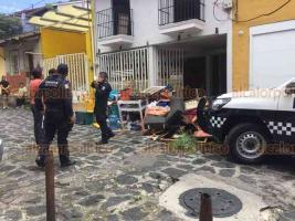 Xalapa, Ver., 14 de agosto de 2018.- Pleito doméstico alertó a vecinos, en la zona Centro, por el arribo de policías.