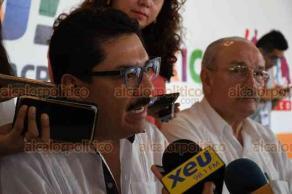 Veracruz, Ver., 16 de agosto de 2018.- También en este puerto, Ulises Ruiz, exgobernador de Oaxaca, ofreció una rueda de prensa acompañado del exdiputado local, Marco Antonio del Ángel Arroyo.