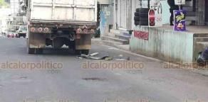 Xalapa, Ver., 16 de agosto de 2018.- La tarde de este jueves se reportó la muerte de un hombre al ser atropellado por un camión de Limpia Pública, en la avenida Rébsamen, con dirección a Arco Sur.