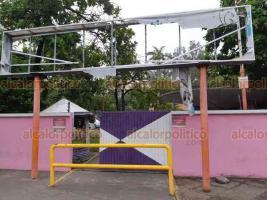 Veracruz, Ver., 17 de agosto de 2018.- Opaco y descuidado luce el Parque Cri-Crí, según comerciantes, 5 administraciones han prometido mejoras y nunca las concretan.