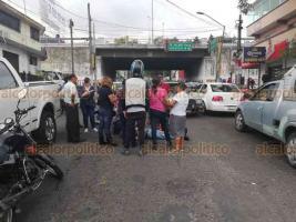Xalapa, Ver., 20 de agosto de 2018.- Hombre de la tercera edad fue atropellado sobre la avenida Miguel Alemán, casi esquina con Lázaro Cárdenas.