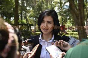 Xalapa, Ver., 18 de septiembre de 2018.- Guardia de honor de la delegación del INFONAVIT, encabezada por la delegada regional del Estado, Diana Félix Andrade.