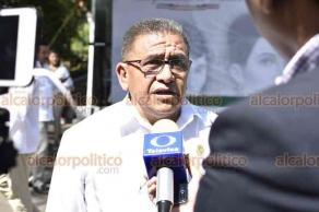 Xalapa, Ver., 18 de septiembre de 2018.- Guardia de honor del Sindicato Democrático de Trabajadores de la Educación en Veracruz, encabezada por el profesor Rafael Sosol Sánchez.