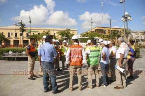 Veracruz, Ver., 19 de septiembre de 2018.- APIVER efectuó un simulacro para conmemorar el Día de Protección Civil. Participaron corporaciones de rescate y auxilio.