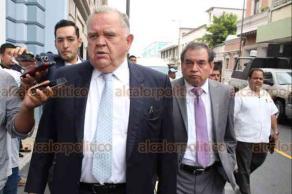 Veracruz, Ver., 20 de septiembre de 2018.- El magistrado presidente del Poder Judicial de Veracruz, Edel Álvarez, informó que continúa la revisión de las oficinas de magistrados y consejeros luego de que ayer miércoles se revelara que se encontró un equipo de espionaje en el lugar.