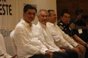 Veracruz, Ver., 21 de septiembre de 2018.- Con la presencia de Renato Sales Heredia, inició la Segunda Reunión de la Zona Sureste Conferencia Nacional de Secretarios de Seguridad Pública.