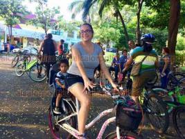 """Veracruz, Ver., 22 de septiembre de 2018.- Ciclistas de la ciudad participaron en el """"Día mundial sin auto"""", con una rodada que salió del parque Zamora y recorrió el Centro Histórico."""