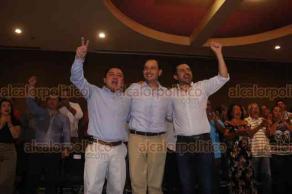 Boca del Río, Ver., 14 de octubre de 2018.- El candidato a la dirigencia nacional del PAN, Marko Cortés, se reunió con militancia y simpatizantes. Lo acompañaron el excandidato a la Gubernatura, Miguel Ángel Yunes Márquez, diputados locales y José Mancha Alarcón, quien busca dirigir al partido en el Estado.