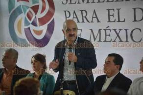 Xalapa, Ver., 19 de octubre de 2018.- En el salón Domo, el senador Ricardo Ahued se reunió con empresarios de la región, integrantes del Semillero Empresarial Para el Desarrollo de México A.C.