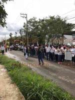 Emiliano Zapata, Ver., 20 de octubre de 2018.- Más de mil personas en la localidad de El Chico salieron a las calles este sábado a la Marcha por la Vida.