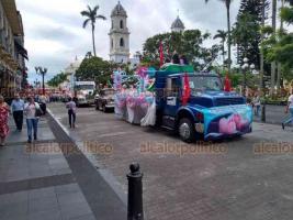 Córdoba, Ver., 20 de octubre de 2018.- Con globos y carros alegóricos, pobladores de esta ciudad se unieron a la Marcha por la Vida.