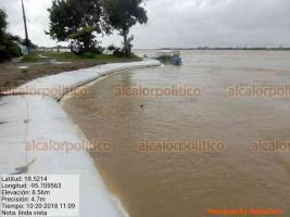 Veracruz, Ver., 20 de octubre de 2018.- Comunidades como Boca del San Miguel, San Agustín, Pérez y Jiménez y Carbonera ya se encuentran totalmente inundadas.