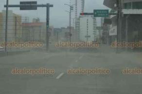 Boca del Río, Ver., 13 de noviembre de 2018.- El bulevar Ávila Camacho fue cerrado a la circulación debido a las condiciones climáticas. El corte de la vialidad inicia en el cruce con la avenida Juan Pablo II.