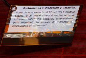 Ciudad de México, 13 de noviembre de 2018.- Tras el crimen de la joven Valeria, el Senado también aprobó un punto de acuerdo que exhorta al Gobierno y a la Fiscalía General de Veracruz a informar sobre las acciones emprendidas para disminuir los indices de violencia e inseguridad en la entidad.