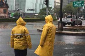 Ciudad de México, 14 de noviembre de 2018.- La entrada del Frente Frío 10 causó el descenso de temperatura y lluvias en la capital del país.