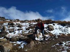 Perote, Ver., 15 de noviembre de 2018.- Comparten imágenes donde al mediodía de este jueves ya se aprecia muy poca nieve en el Cofre de Perote, sólo en partes de sombra sigue el hielo.