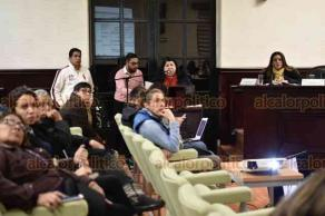 Xalapa, Ver., 15 de noviembre de 2018.- En sesión ordinaria de Cabildo, la tesorera Clementina Guerrero presentó el informe del estado financiero del municipio.