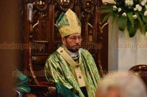 Xalapa, Ver., 18 de noviembre de 2018.- El arzobispo Hipólito Reyes Larios ofició la misa dominical en la Catedral.