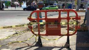 Veracruz, Ver., 19 de noviembre de 2018.- Ante la remodelación del bulevar Ávila Camacho se quitaron espacios para el escurrimiento del agua pluvial, se cerraron cruceros de calles y se colocaron docenas de pasos peatonales que complican el tráfico.