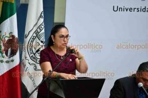 Boca del Río, Ver., 20 de noviembre de 2018.- Ante el consejo Universitario Regional, el vicerrector de la Universidad Veracruzana en la conurbación Veracruz-Boca del Río, Alfonso Pérez Morales, rindió su Primer Informe de Actividades.