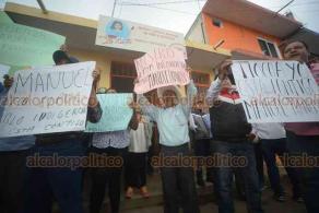 Coatepec, Ver., 15 de enero de 2019.- Habitantes de distintas localidades de Chicontepec protestan frente a los juzgados en Pacho Viejo en apoyo al exlegislador Manuel Francisco