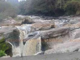Cuichapa, Ver., 15 de enero de 2019.- La contaminación a todo lo que da. El Ingenio San Nicolás es uno de los que más descargas hacen al río Blanco sin que las autoridades como PROFEPA o SEMARNAT, hagan algo al respecto.
