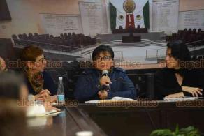 Xalapa, Ver., 16 de enero de 2018.- Segunda reunión de trabajo en el Congreso local para la actualización de la Ley número 306 sobre el VIH.