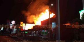 Boca del Río, Ver., 16 de enero de 2019.- Fuerte incendio consumió la taquería
