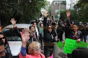 Coatepec, Ver., 17 de enero de 2019.- En la zona de Briones hubo un gran operativo con policías estatales, Fuerza Civil y Ejército debido a la inseguridad que han padecido vecinos, desde secuestros y asaltos a mano armada, por lo que se manifestaron para exigir seguridad y tranquilidad.