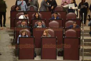 Xalapa, Ver., 17 de enero de 2019.- Décima segunda sesión del Congreso local, donde por mayoría se avaló dejar sin efecto legal el acuerdo por el que se otorga dos bienes muebles a favor de la Fiscalía General del Estado.