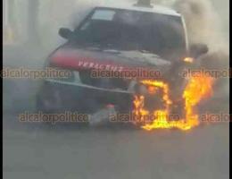 Boca del Río, Ver., 19 de enero de 2019.- En la carretera estatal Veracruz-El Tejar, casi Ejército Mexicano, se presentó el incendio de un taxi, movilizándose personal de Bomberos Conurbados y Protección Civil.